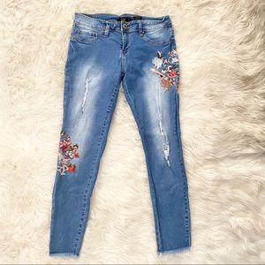YMI   floral embroidered ankle skinny jeans